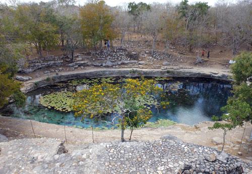 Dzibilchaltun: Cenote Xlaca