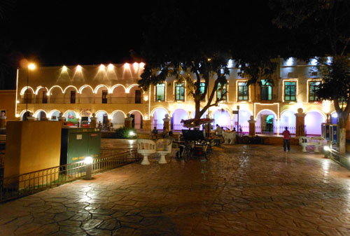 Valladolid, Mexico - zocalo at night