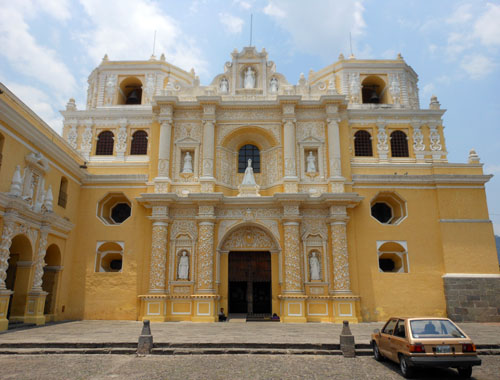 Antigua: La Merced Church