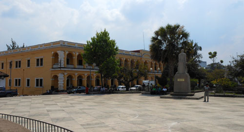 Coban: Central Plaza