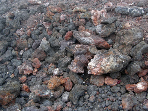 Pacaya: Lava stones on our path