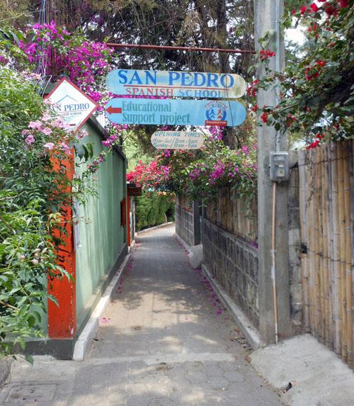 San Pedro: sidewalk