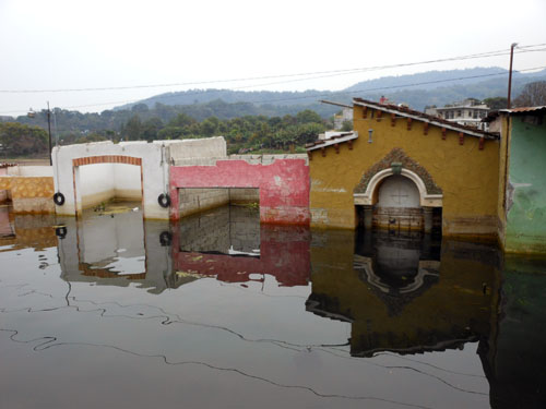 Santiago Atitlan: former buildings now under water