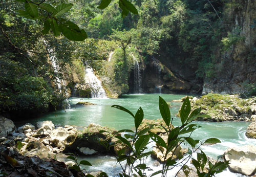 Semuc Champey: main waterfall
