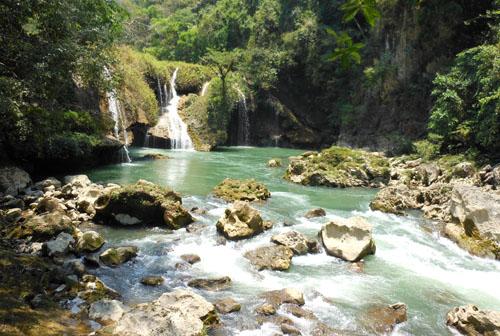 Semuc Champey: Waterfall