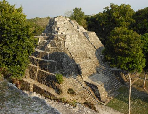 Yaxha: Acropolis Norte