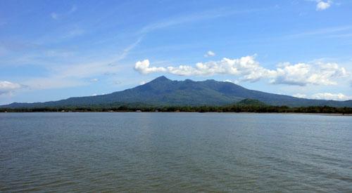 Lake Nicaragua: view of the Mombacho volcano