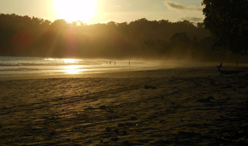 Manuel Antonio beach: sunset haze