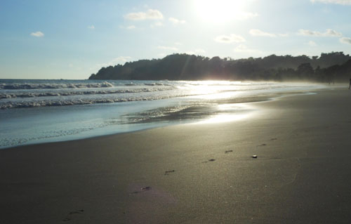 Manuel Antonio beach: sunset