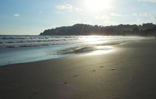 Manuel Antonio beach: sunset
