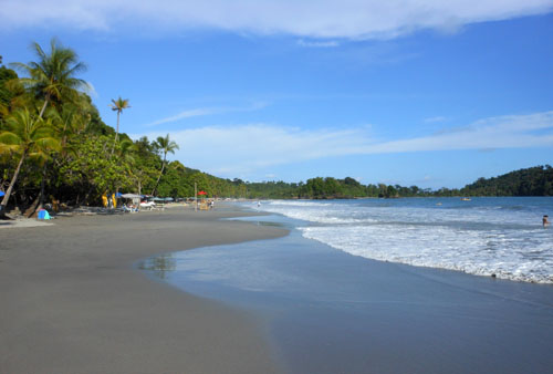 Manuel Antonio: sandy beach