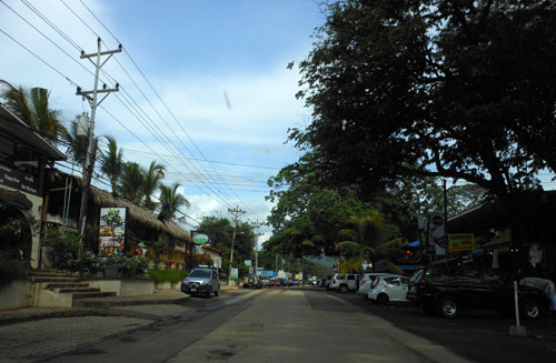 Playa Coco: shops and parking