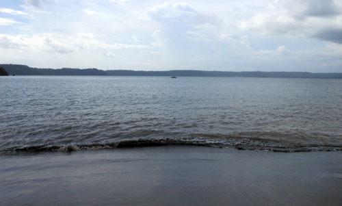Calm waters of Playa Panama