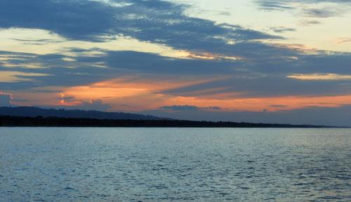 Costa Rica: Cahuita, Playa Negra sunset