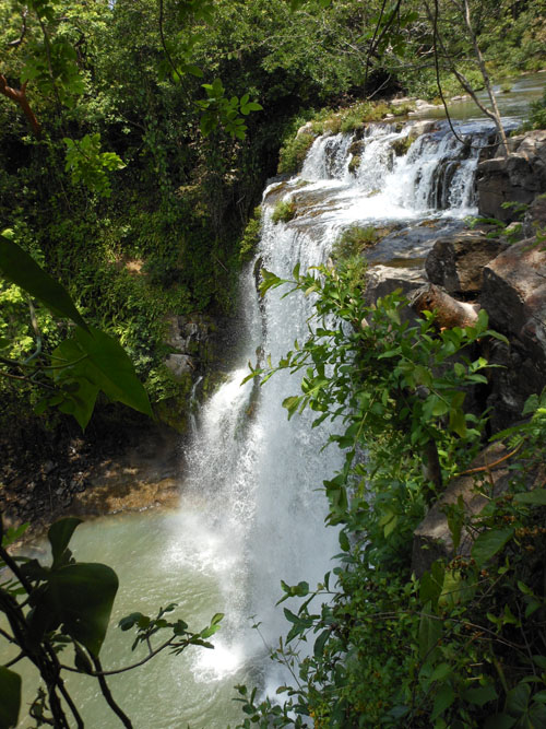 Costa Rica: Catarata/Waterfall Llanos de Cortes, at the top of the waterfall