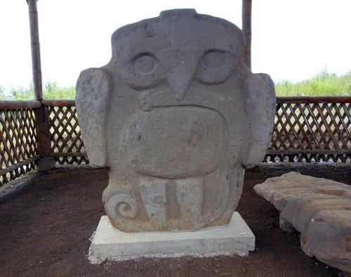 Colombia - San Agustin: statues at La Pelota