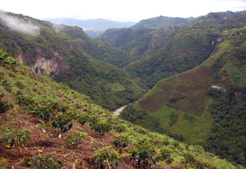 Colombia - San Agustin: valley of Rio Magdalena at La Chaquira