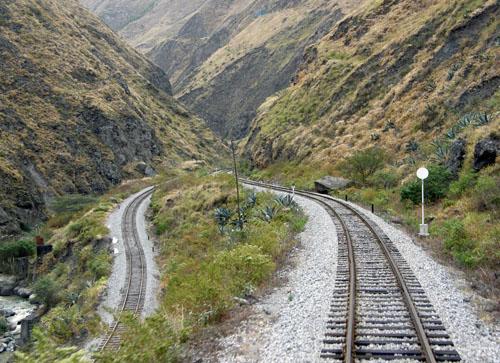 Devil's Nose train ride - approaching an interchange