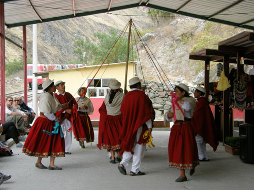 Devil's Nose train ride - dancers at the station