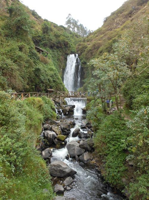 Otavalo - Cascada de Paguche: full view