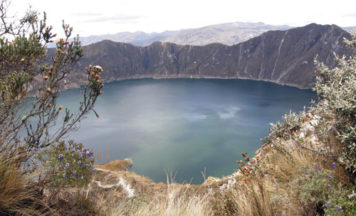 Quilotoa crater lake view from path