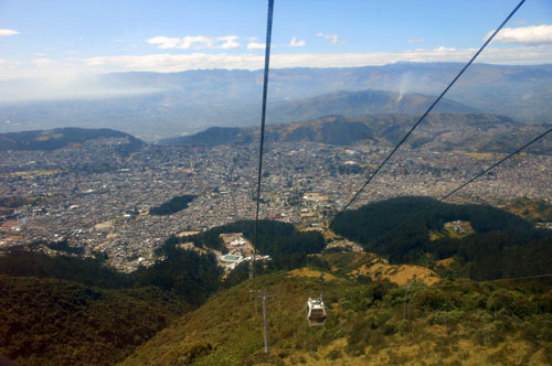 Quito - Teleferico: on the way up