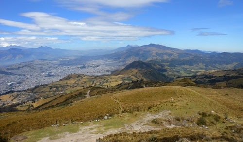 Quito - Teleferico: view to the south