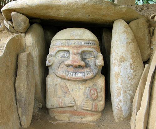 San Agustin: El Purutal statue 1