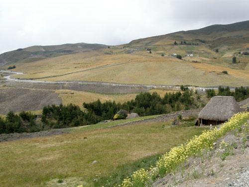 Settlement near the main road between Pujili and Zambaua