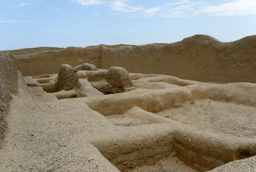 Trujillo Chan Chan burial grounds