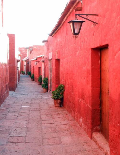 Arequipa, inside Monasterio de Santa Catalina - inner streets