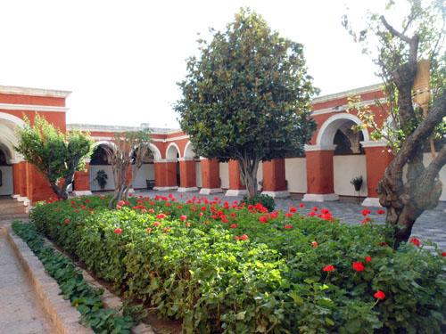 Arequipa, inside Monasterio de Santa Catalina - main plaza