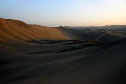 Huacachina - desert around the oasis