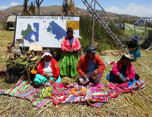 Lake Titicaca: floating Uros Island presentation