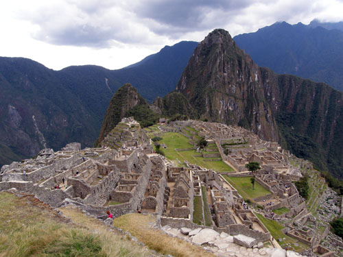 Machu Picchu site and Wayna Picchu mountain