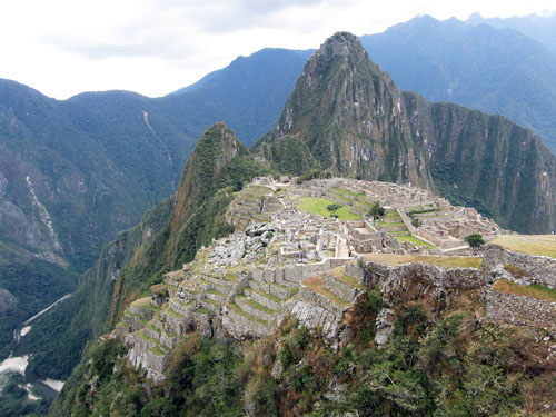 Machu Picchu site with Wayna Picchu and Urubamba river