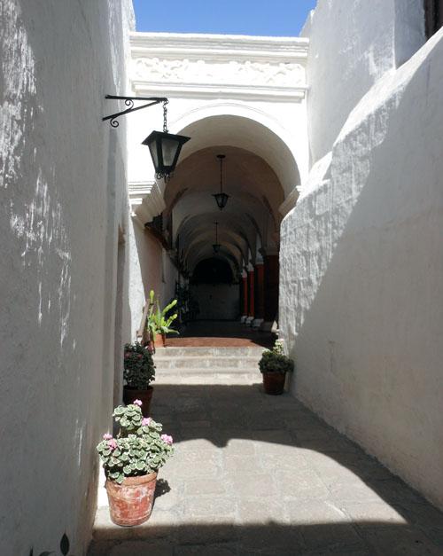 Peru, Arequipa - Monasterio de Santa Catalina white inner streets