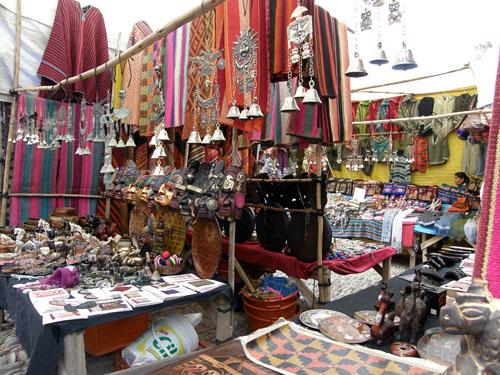Peru, Pisac sunday market - colourfull stalls