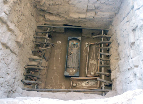 Peru, Sipan Archaeological Site - excavated grave