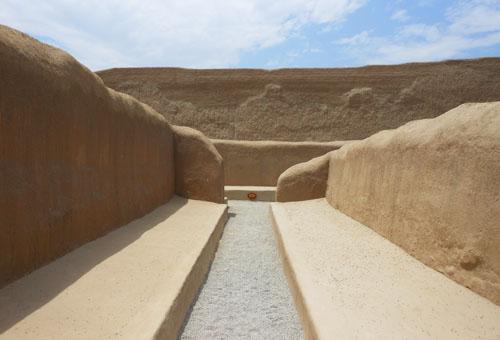 Peru, Trujillo - Chan Chan Archaeological Site corridor