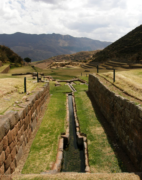 Tipon - Inca ruins - the aqueduct