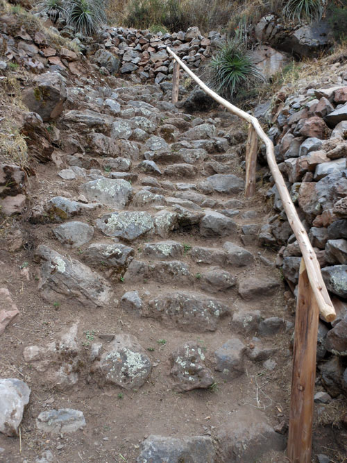 Tipon - Inca ruins - steep step climb