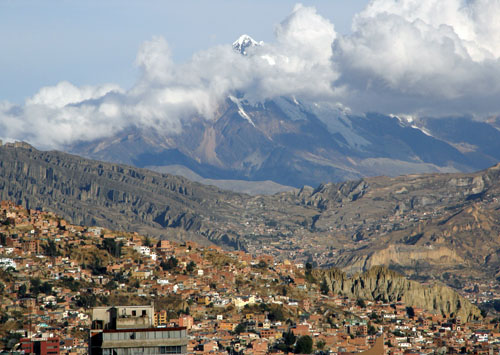 Bolivia, La Paz - views of Illamani in the clouds