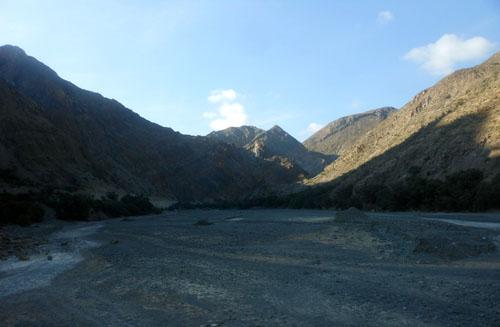 Bolivia, Oruro to Villazon train - valley