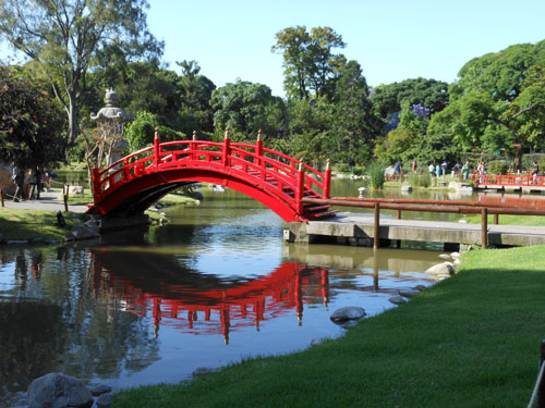 Buenos Aires, Palermo - postcard shot of a bridge in the Japanese garden