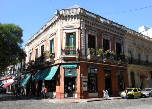 Buenos Aires, San Telmo - old bar Dorrego and cobbled streets