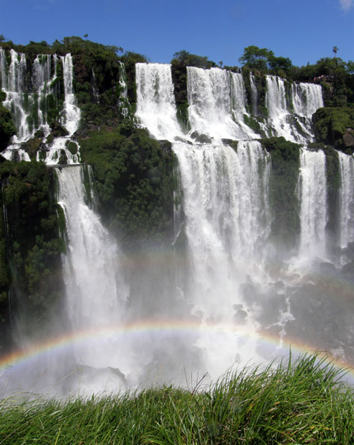 Iguazu (Argentina) - rainbow by the San Martin waterfall