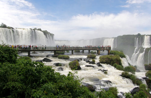 Iguazu (Brasil) - on the way to the Garganta del Diablo (Devil's Throat) waterfall viewing platform
