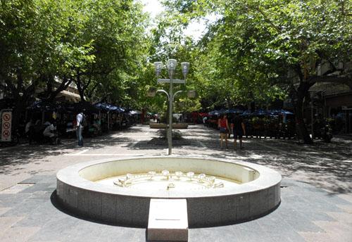 Argentina, Mendoza - cafes on pedestrianised Paetonal Sarmiento