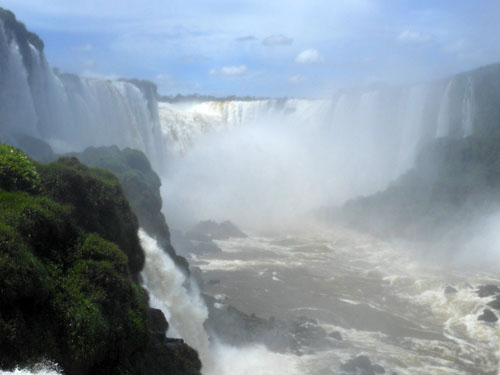 Brazil, Iguazu National Park - Devil's Throat (Garganta del Diablo) waterfall behind heavy mist